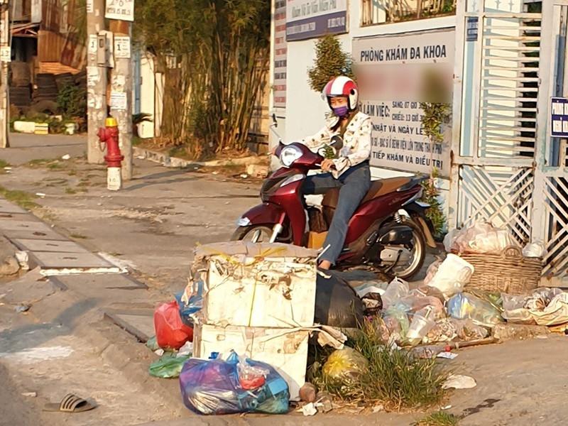 Phạt nguội người xả rác: Khó nhưng hiệu quả - ảnh 1