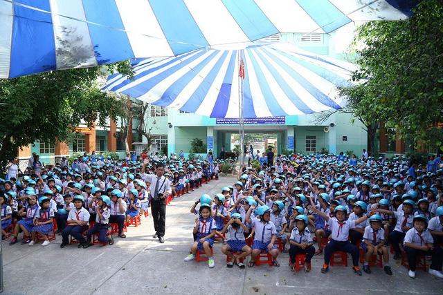 Hơn 1.000 học sinh trường tiểu học Tân Thạnh Đông