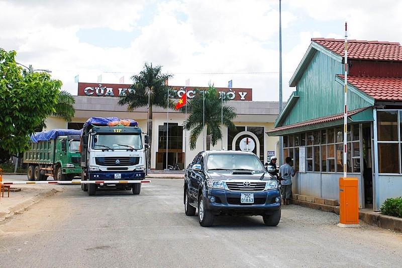 Tạm đóng cửa một số điểm qua biên giới Việt Nam-Lào - ảnh 1