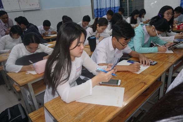 TP.HCM yêu cầu các trường xây dựng kế hoạch dạy học trực tuyến - Ảnh 1.