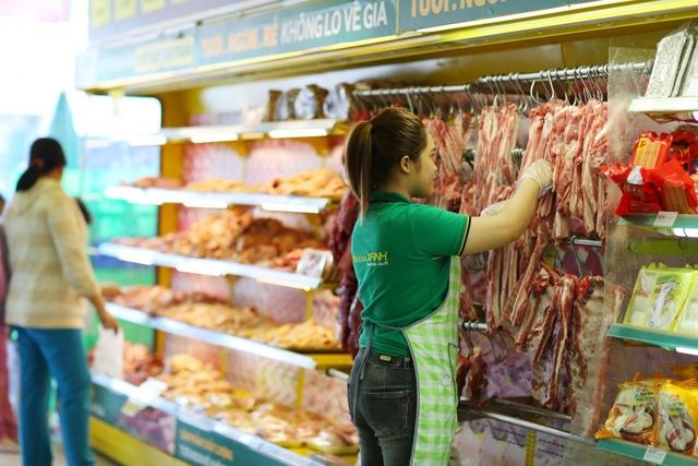 Thực phẩm tươi sống đa dạng như ở chợ truyền thống
