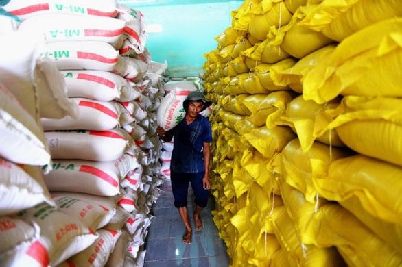 Hủy hơn 53.000 tấn gạo xí chỗ hạn ngạch xuất khẩu - Ảnh 1.