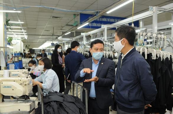 Nhiều ngành sản xuất giảm sâu, Bộ Công thương cấp tập tìm thị trường - Ảnh 1.