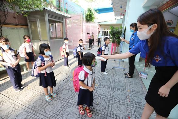 TP.HCM: Cho phép các trường thực hiện bán trú và bán căn tin - Ảnh 1.