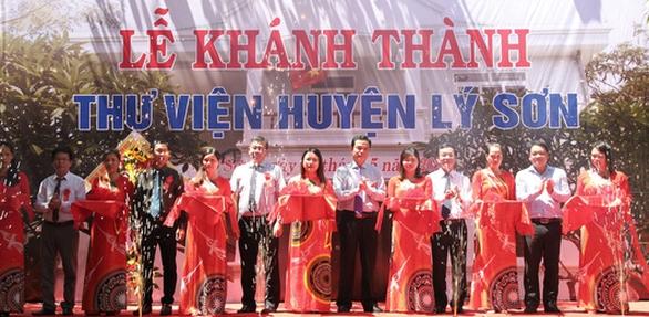 Hơn 1.000 đầu sách cho thư viện huyện Lý Sơn - Ảnh 2.