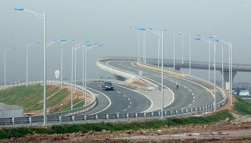 Dự án cao tốc qua 3 tỉnh Ninh Bình, Nam Định, Thái Bình được đề xuất đầu tư theo hình thức hợp đồng BOT với tổng mức đầu tư (bao gồm cả lãi vay) là 10.643 tỷ đồng, giảm gần 2.000 tỷ so với ước tính trước đó...
