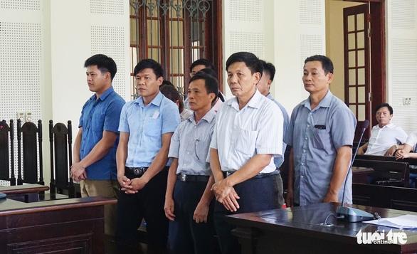Lập hồ sơ khống chiếm đoạt tiền bồi thường, trưởng ban quản lý rừng bị phạt 5 năm tù - Ảnh 1.