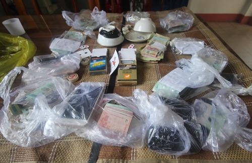 Tang vật của một vụ đánh bạc ở Quảng Nam bị cảnh sát thu giữ hồi tháng 7/2017. Ảnh minh hoạ: Đắc Thành