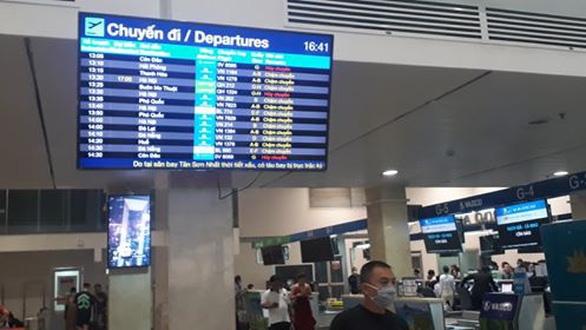 Hàng trăm chuyến bay bị ảnh hưởng do Tân Sơn Nhất đóng đường băng - Ảnh 10.