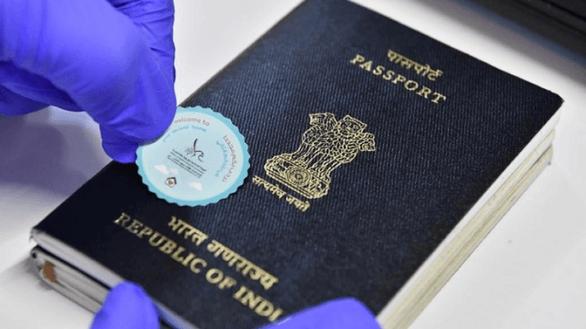 Dubai dán tem chào đón lên hộ chiếu, nồng nhiệt đón du khách trở lại - Ảnh 1.