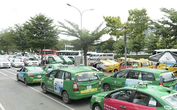 1,6 triệu xe kinh doanh vận tải phải đổi sang biển số màu vàng - Ảnh 1.