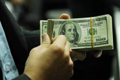 Thủ tướng yêu cầu Ngân hàng Nhà nước Việt Nam có giải pháp đồng bộ ổn định tỷ giá, thị trường ngoại tệ...