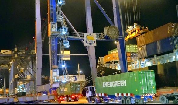 Hàng hóa Việt Nam xuất khẩu qua cảng biển tăng 11% trong dịch COVID - 19 - Ảnh 1.