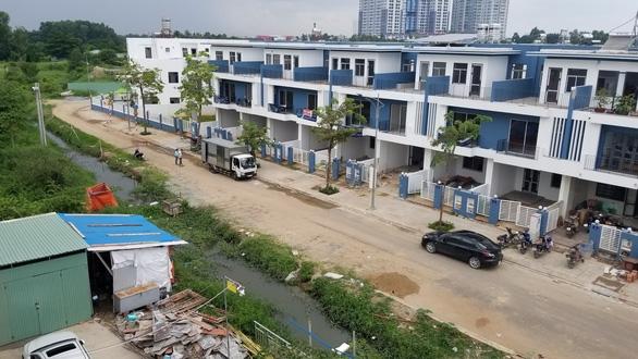 Vụ dân phản ánh dự án xây dựng lấn rạch, chủ đầu tư hứa hoàn trả hiện trạng - Ảnh 1.