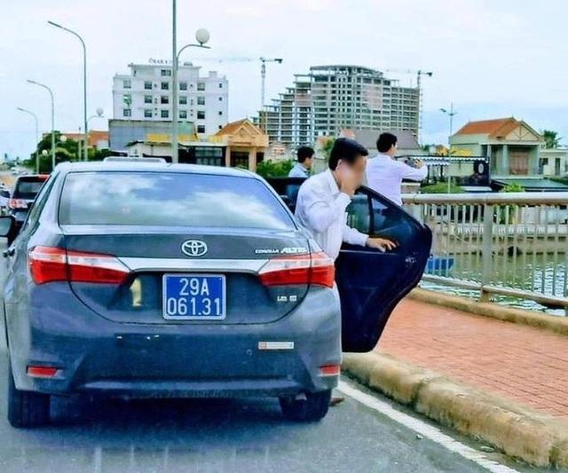 Chủ tịch Quảng Bình lên tiếng về đoàn xe biển xanh dừng trên cầu chụp ảnh - 2