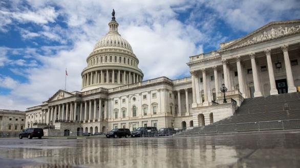 Ngân sách Mỹ thâm hụt hơn 3.000 tỉ USD - Ảnh 1.