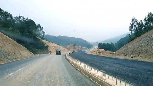 Dự án cao tốc Hạ Long - Vân Đồn đang trong quá trình thi công