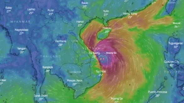 Chiều 28-10, bão số 9 giảm cấp gió còn 10-11, giật cấp 13. - Ảnh 1.