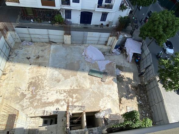 Chủ tịch quận Ba Đình: Nhà phố 5 tầng nổi có 4 tầng hầm 'phù hợp với quy định' - Ảnh 3.