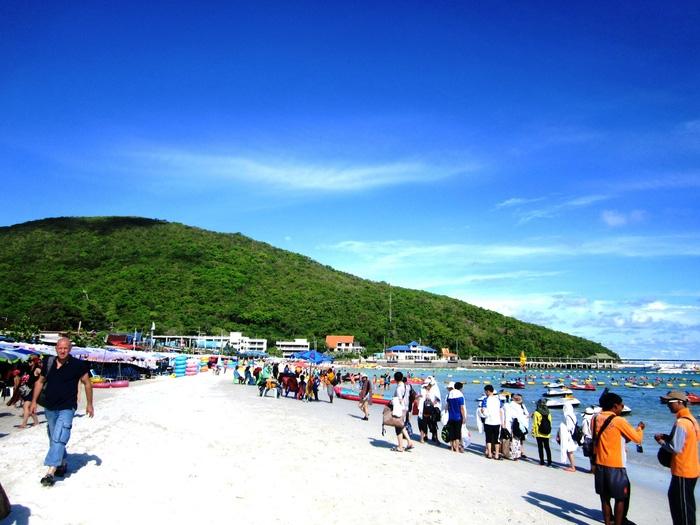 Đến đảo Koh Coral tắm biển và ăn hải sản - Ảnh 2.