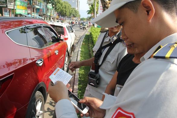 Lượng ôtô ở Đà Nẵng tăng gấp đôi 5 năm trước, hạ tầng không theo kịp - Ảnh 1.