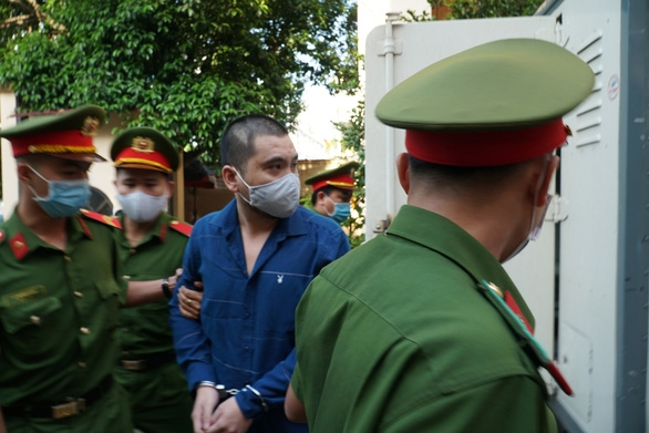 Tài xế xe Mercedes tông nữ tiếp viên Vietnam Airlines hầu tòa - Ảnh 1.