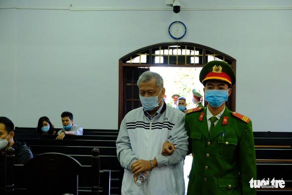 Một bị cáo nghi bị bệnh tâm thần, hoãn phiên tòa xử đại gia Trịnh Sướng - Ảnh 4.