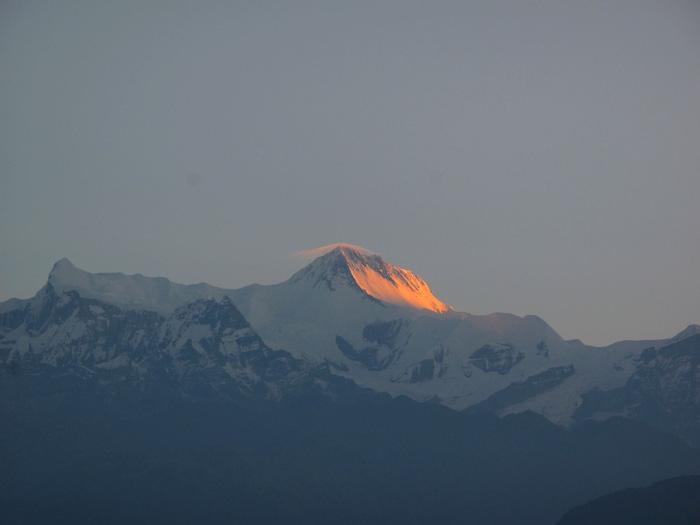 Đến Sarangkot ngắm bình minh trên dãy Himalaya - Ảnh 4.