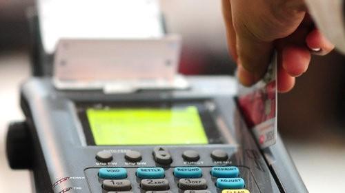 Hà Nội sẽ dùng thẻ để thanh toán tiền điện, nước - Ảnh 1.