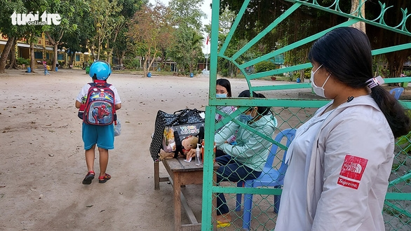 Nhiều trẻ mầm non chưa trở lại trường - Ảnh 1.
