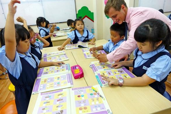 Tiếng Hàn, tiếng Đức được đưa vào chương trình phổ thông, học sinh được tự chọn - Ảnh 1.