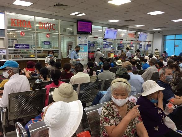 Không để 34 trạm y tế TP.HCM phải ngưng hợp đồng khám, chữa bệnh BHYT - Ảnh 1.