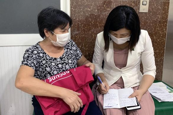 Nhặt được ví hơn 65 triệu, báo ngay cho bệnh viện để trả lại - Ảnh 2.
