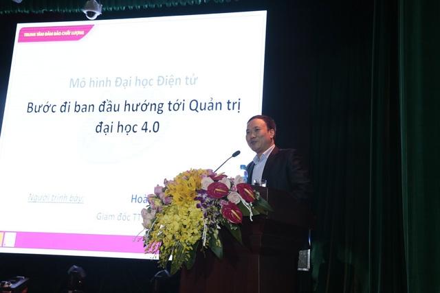 TS. Hoàng Anh - Giám đốc Trung tâm Đảm bảo Chất lượng tham luận tại Hội nghị.