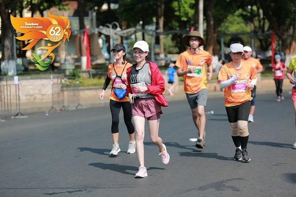 Gian lận tại giải Tiền Phong marathon, một VĐV bị tước huy chương vô địch - Ảnh 1.