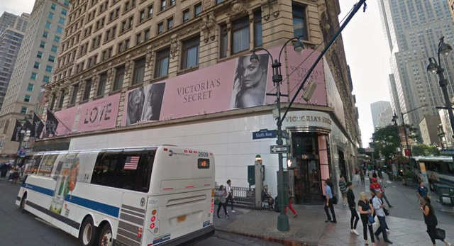 Rodriguez đã mang xác con vào cửa hàng nội y Victoria's Secret