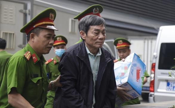Cựu chủ tịch Công ty Thép Việt Nam: Không tẩu tán tài sản, mà để sau này có người hương khói - Ảnh 1.