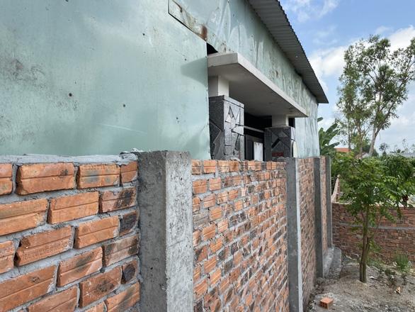 Xây tường rào chắn ngang cổng nhà hàng xóm: Có thể nhờ tòa giải quyết - Ảnh 5.