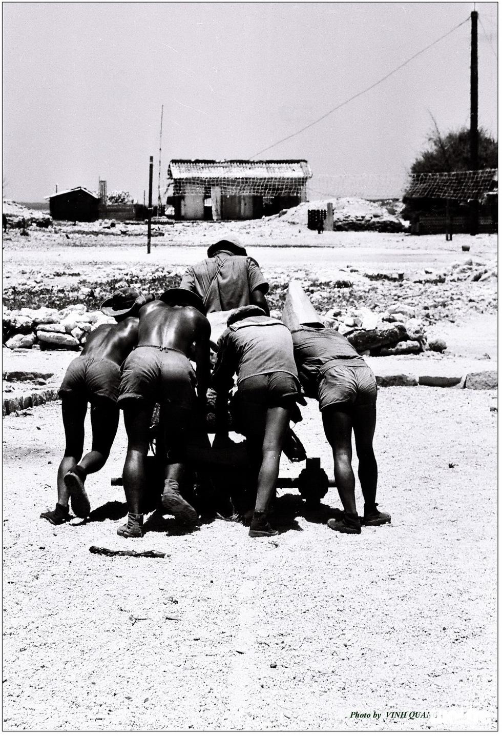 Những hình ảnh ấn tượng nhân 46 năm giải phóng Trường Sa - Ảnh 2.