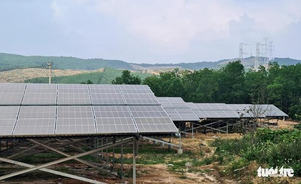 Sôi động chốt đơn dự án điện mặt trời, giá từ hàng chục đến ngàn tỉ đồng - Ảnh 1.