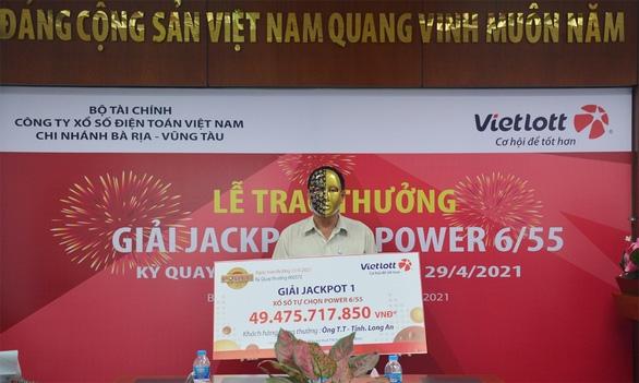 Người chơi thứ hai trúng Jackpot tại Long An tặng từ thiện 200 triệu đồng - Ảnh 1.