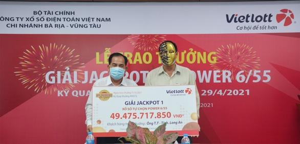 Người chơi thứ hai trúng Jackpot tại Long An tặng từ thiện 200 triệu đồng - Ảnh 4.