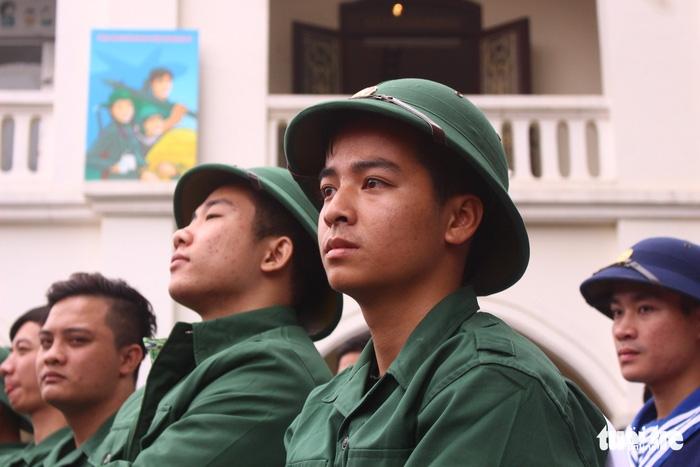 Gần 2.000 thanh niên thủ đô tình nguyện nhập ngũ - Ảnh 5.