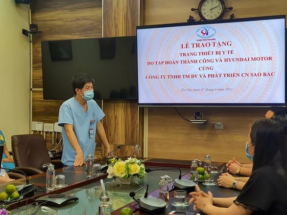 Tập đoàn Thành Công và Hyundai Motor trao tặng thiết bị y tế cho bệnh viện tim Hà Nội - Ảnh 2.