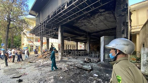 Điều tra vụ 6 người chết cháy trong phòng trà nửa đêm - Ảnh 1.
