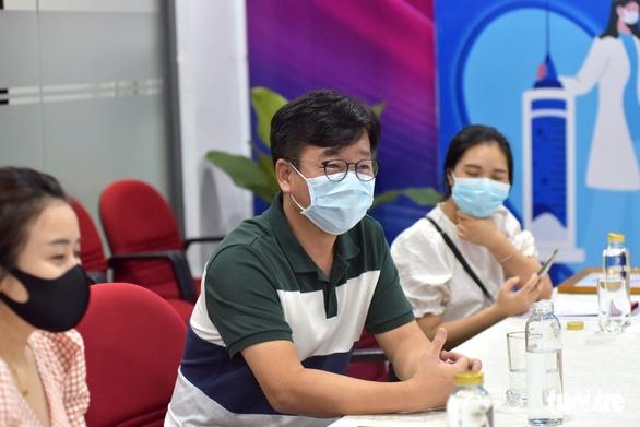 Công ty Hàn ủng hộ 100 triệu đồng 'góp vắc xin COVID-19 - Ảnh 3.