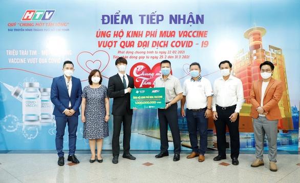 Van Phuc Group ủng hộ 100 tấn gạo, 2.000 bộ quần áo bảo hộ chống dịch - Ảnh 3.