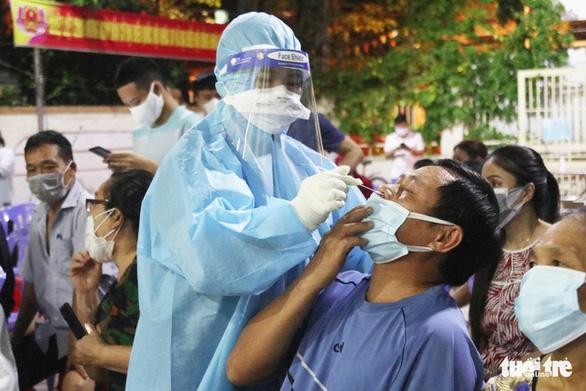 COVID-19 ngày 18-6: Từ Bắc Giang về Nghệ An sau 21 ngày cách ly, cô gái mắc COVID-19 - Ảnh 1.