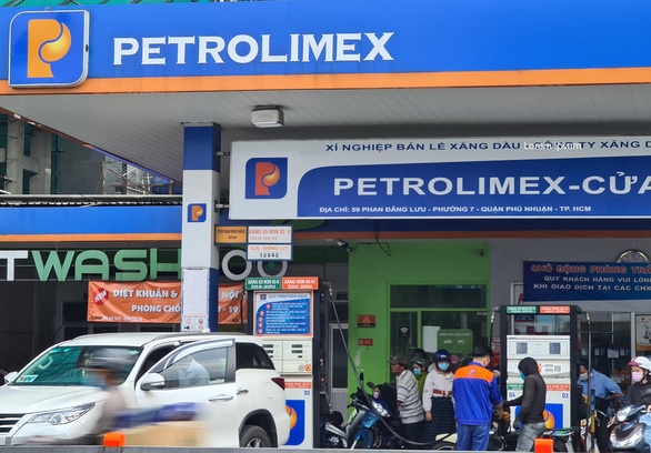 Yêu cầu các cửa hàng xăng dầu ở TP.HCM không được tự ý đóng cửa - Ảnh 1.