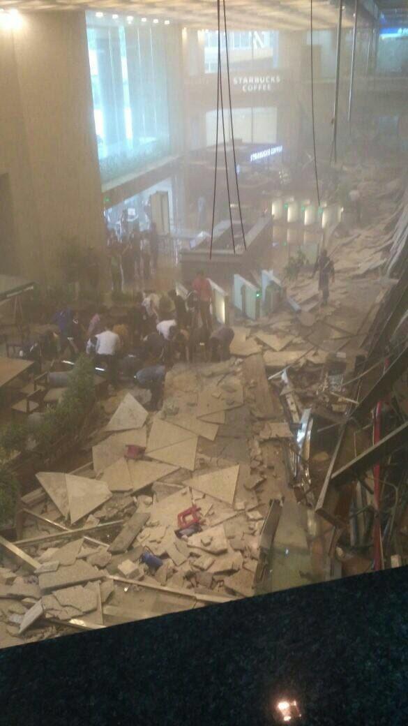 Sập tầng Sở chứng khoán Indonesia, ít nhất 77 người bị thương - Ảnh 3.